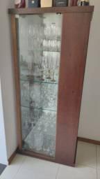 Cristaleira de madeira maciça