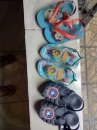 Sandalinhas e tênis infantis. Contato *