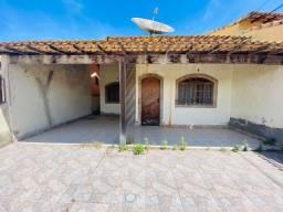 Casa com 2 quartos e Suíte em Condomínio Fechado
