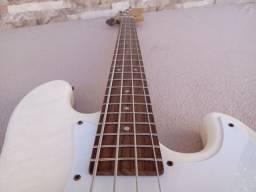 Baixo 4c jazz Bass branco em ótimo estado
