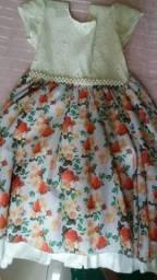 Vestido de criança tamanho 10