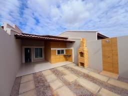 JP casa com 3 quartos 2 banheiros, vagas de garagens com portões duplos