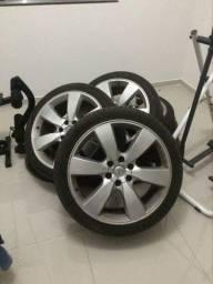 Rodas com pneus 22
