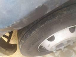 Iveco cabine dupla 6 pneus zerados