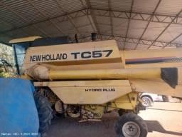New Holland TC 57 Ano 2003 com 5.900 Hrs, Hydro, 17 Pés, Kit elétrico