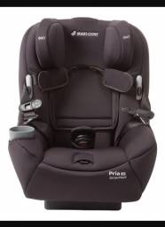 Cadeira auto maxi cosi pria 85 preta até 38 kg. Apenas 1 ano de uso.