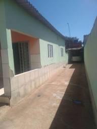 Casa a venda 120.000 no bairro floresta Goiânia celular : * - *