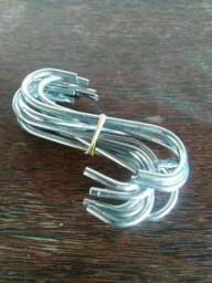 Ganchos em S de metal cromado
