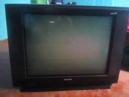 vendo essa tv de tubo vai com conversor $70 pra vim buscar em Santana