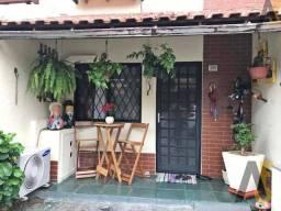 Ótima casa - duplex - condomínio fechado - 3 quartos