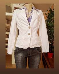 Lote 100 peças de roupas femininas seminovas, lindas