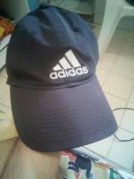 Dois bonés Adidas