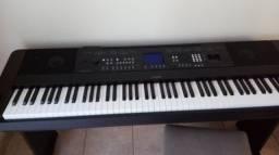 Grand Piano Yamaha DGX 650