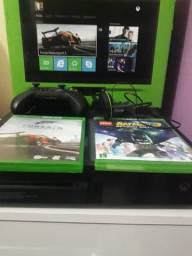 Xbox one semi novo na caixa