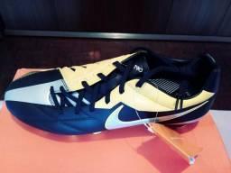 Chuteira Nike original nova