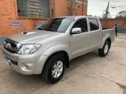 Toyota Hilux 3.0 Entr+Parc - 2011