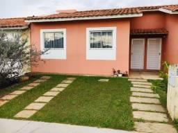 Aluga-se Uma Casa Em Um Condomínio