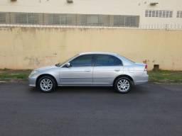 Vendo Honda Civic 05/06 completo + bancos em couro + rodas de liga - 2006