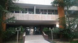 Alugo Apartamento 2/4 mais Dependência na Vitória