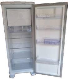 Geladeira Electrolux Frost Free RFE39 322 Litros Branca 110V
