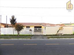 Terreno com duas casas de frente para rua, no Bairro Capela Velha