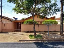 Casa para alugar com 3 dormitórios em Cj parigot de souza ii, Londrina cod: *30