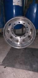 Roda de Alumínio Alcoa Usada com trinca