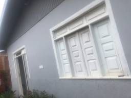 Vendo uma casa. 95 mil. Nesse número mando fotos ou março horário p ver a casa. *