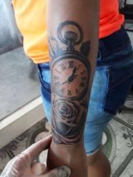 Uma Tattoo + 100 conto em vídeo game ou  cllr
