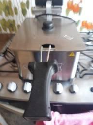 Fritadeira elétrica 220v Cotherm 5 litros semi nova