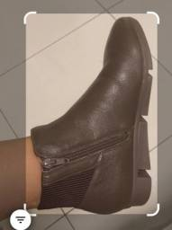 Botas em couro