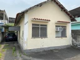 Vendo duas casas  em Marechal Hermes.