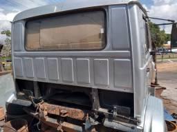 Cabine do Volks e 2 Mercedes