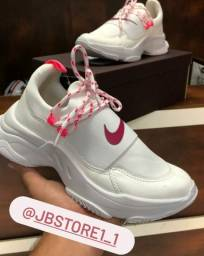 Tênis femininos e masculinos ...importados! Confira Instagram jbstore1_1