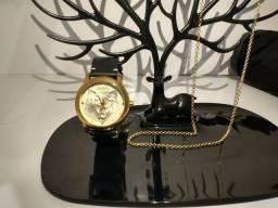 Relógio Gucci braçadeira de couro