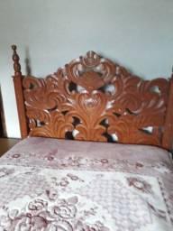 vendo cama madeira cerejeira entalhada com colchão em ótimo estado