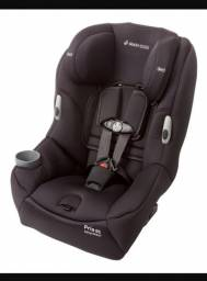 Cadeira auto maxi cosi Pria 85 preta até 38kg. Apenas 1 ano de uso.