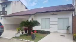 Casa 3 qts (1 suíte) em condomínio fechado