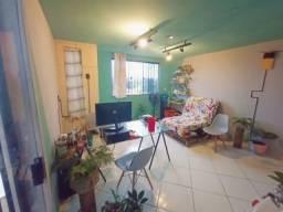 Aluga-se um apartamento em Itapuã localizada a 5min da praia e 10min do aeroporto