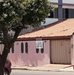 Casa em Rua comercial