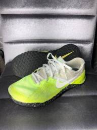 Tenis Nike Metcom 3 - tamanho 39