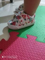 Sapatinho e sandálias infantil