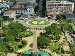 Casa para Venda em Volta Redonda, VILA SANTA CECÍLIA, 4 dormitórios, 2 suítes, 4 banheiros