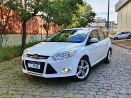 Ford - Focus Sedan SE Plus 2.0 Powershift