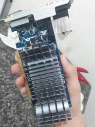 Placa de vídeo Asus GT 210 1GB 64bits (sou de Caruaru)
