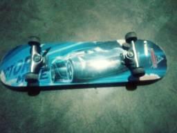 Vendo skate disney pixar carros