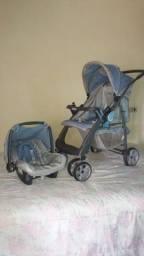 Conjunto de carrinho de bebé e bebê conforto.