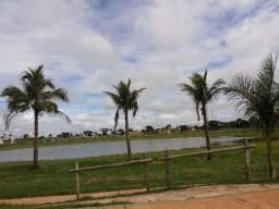 Lindo terreno na beira da lagoa