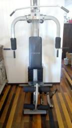 Estação de Musculação - Academia - Aparelho