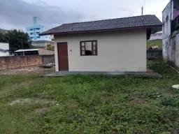 Barbada: Terreno com escritura pública, com casa de 1 dormitório, Bela Vista, Palhoça